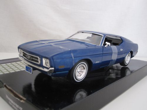 Ford_Mustang_Sportsroof_mmax73327b