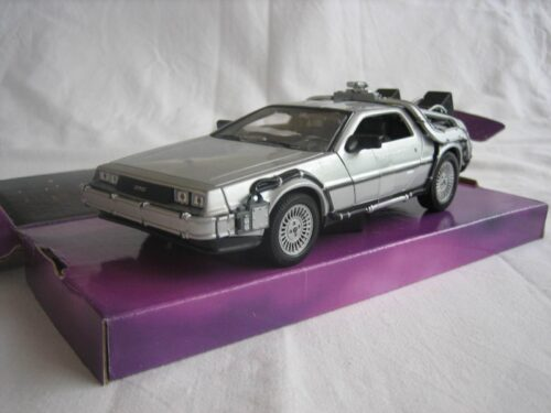 DMC_DeLorean_Back_to_the_Future_I_1983_wly22443_Jagersma_Miniaturen_Modelauto's