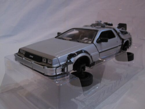 DMC_DeLorean_Back_to_the_Future_II_Flying_Version_BttFII_vliegende_versie_wly22441FV_Jagersma_Miniaturen_Modelauto's