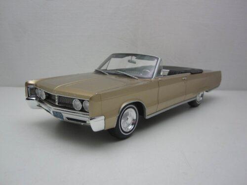 Chrysler_Newport_Convertible_1967_bos273_Jagersma_Miniaturen_Modelauto's