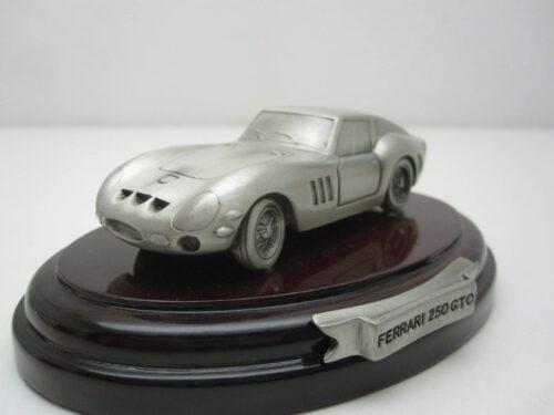 Ferrari_250_GTO_tinnen_model_1962_atls2094_Jagersma_Miniaturen_Modelauto's