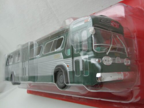 GM_TDH-5301_Amerikaanse_bus_new_look_fishbowl_1965_atlacbus073_Jagersma_Miniaturen_Modelauto's