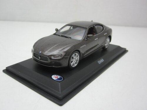 Maserati_Ghibli_2014_atlMas06_Jagersma_Miniaturen_Modelauto's