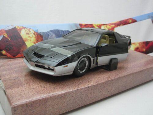 Pontiac_Firebird_Knight_Rider_Katt_werkend_licht_1982_jada31115_Jagersma_Miniaturen_Modelauto's