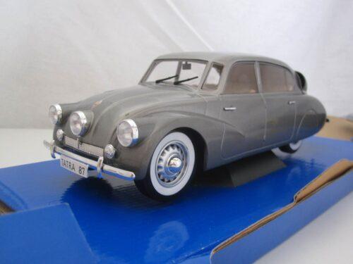 Tatra_87_1937_mcg18068_Jagersma_Miniaturen_Modelauto's