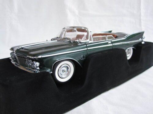 Chrysler_Imperial_Crown_Cabrio_1961_yat20138gn_Jagersma_Miniaturen_Modelauto's