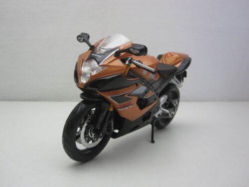 Suzuki_GSX-R1000_mai20-05218g_Jagerskkdc180363ma_Miniaturen_Modelauto's