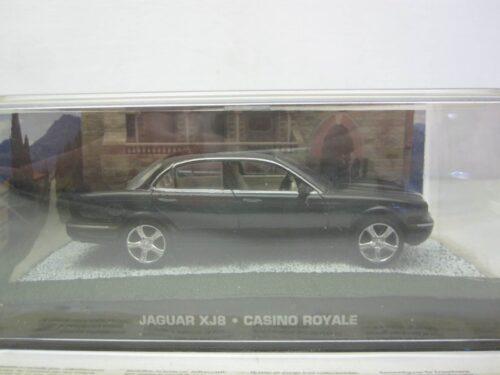 Jaguar_XJ8_James_Bond_Casino_Royal_2006_atlJBjagxj8_Jagersma_Miniaturen_Modelauto's