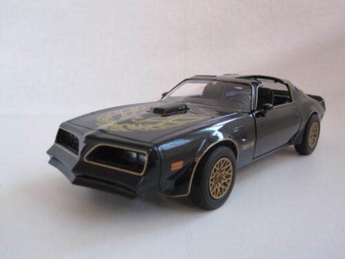 Pontiac_Firebird_Trans_Am_Smokey_and_the_Bandit_I_1_1977_gl84013_Jagersma_Miniaturen_Modelauto's