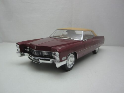 Cadillac_De_Ville_Closed_Convertible_met_softtop_1967_kkdc180316