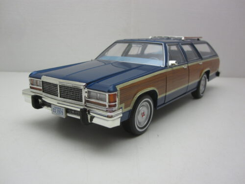 Ford_LTD_Country_Squire_1979_gl19063