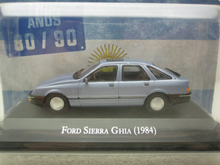 Ford_Sierra_Ghia_1984_magFSierra84b