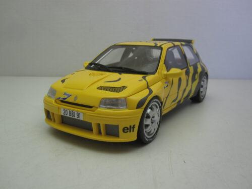 Renault_Clio_Maxi_Presentation_1995_ot822