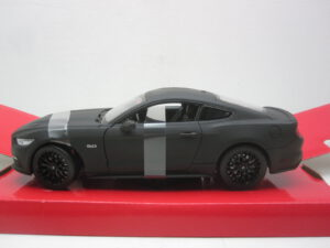 Ford_Mustang_GT_2015_wly24062mbk