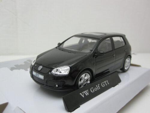 Volkswagen_VW_Golf_V_GTi_2005_crm4golf5bk