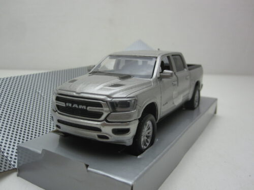 Dodge_Ram_1500_Laramie_Sport_Crew_Cab_2019_mmax73679s_Jagersma_Miniaturen_Modelauto's