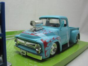 Ford_F-100_Pick_Up_met_extra_set_wielen_1956_jada31542
