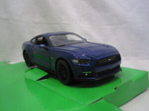 Ford_Mustang_5.0_GT_2015_wly24062b