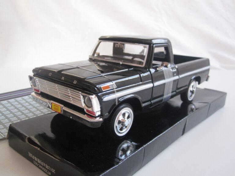 Ford_F-100_Pick_Up_1969_mmax79315bk