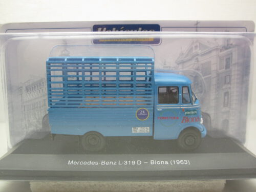 Mercedes-Benz_L-319D_Biona_1963_G1H2E005
