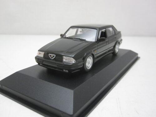 Alfa_Romeo_75_V6_3.0_America_1987_mxc940120460_Jagersma_Miniaturen_Modelauto's