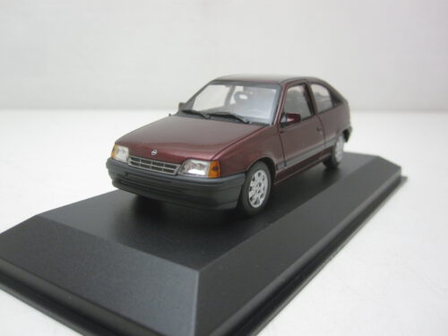 Opel_Kadett_E_3-deurs_1990_mxc940045901_Jagersma_Miniaturen_Modelauto's