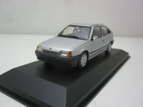 Opel_Kadett_E_3-deurs_1990_mxc940045900_Jagersma_Miniaturen_Modelauto's