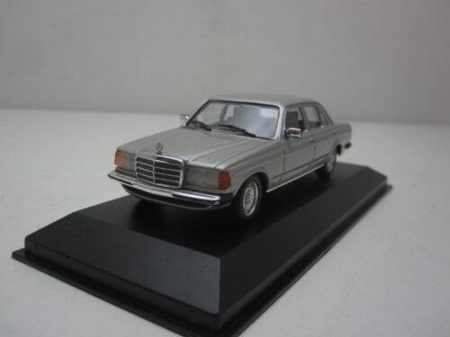 Mercedes-Benz_w123_230E_1982_mxc940032202_Jagersma_Miniaturen_Modelauto's