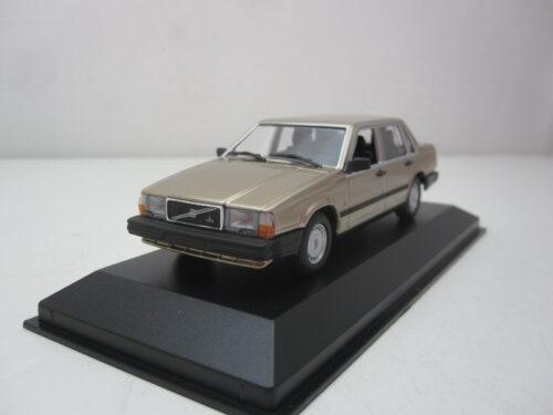 Volvo_740_GL_1986_mxc940171702_Jagersma_Miniaturen_Modelauto's