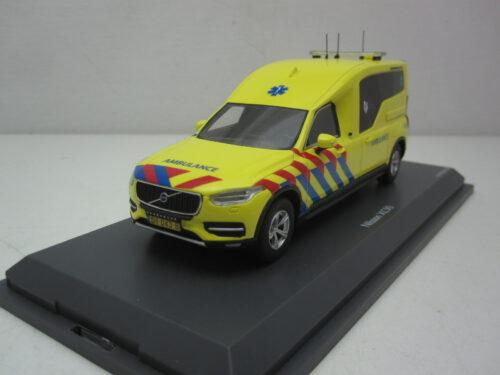 Volvo_XC90_Nilsson_Ambulance_NL_2018_s09095_Jagersma_Miniaturen_Modelauto's