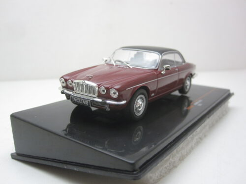 Jaguar_XJ12_Coupé_1976_ixoclc345N_Jagersma_Miniaturen_Modelauto's