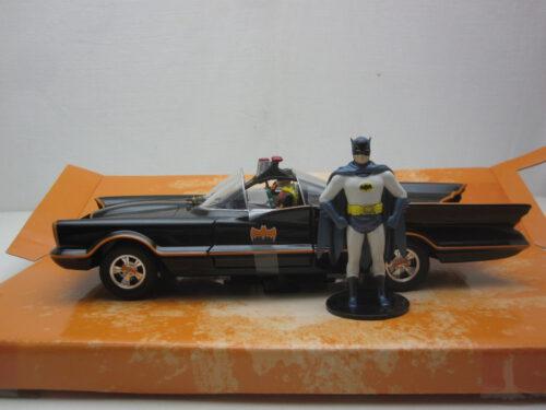 Batman_Classic_Batmobile_met_Batman_en_Robin_1966_jada98259_Jagersma_Miniaturen_Modelauto's
