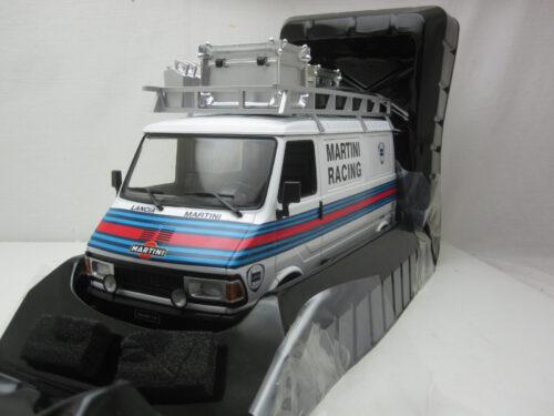 Fiat_242_Martini_Racing_team_1981_ixo18RMC059XE_Jagersma_Miniaturen_Modelauto's