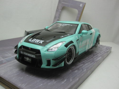 Nissan_Skyline_GT-R_R35_LB_Works_Type_2_2016_soli1805804_Jagersma_Miniaturen_Modelauto's