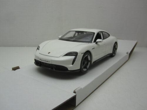 Porsche_Taycan_Turbo_S_2020_bura21098w_Jagersma_Miniaturen_Modelauto's