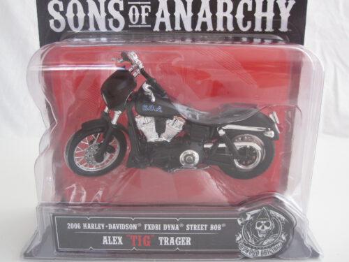 Harley-Davidson_FXDBI_Dyna_Street_Bob_Alex_Tig_Trager_2006_mai35024b-12-Tig_Jagersma_Miniaturen_Modelauto's