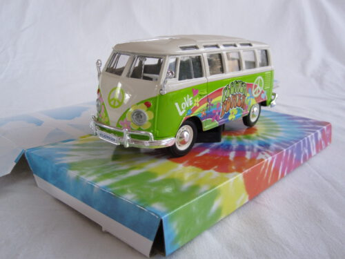 Volkswagen_VW_Transporter_T1_Samba_Hippie_Bus_flower_power_1963_mai32301wgn_Jagersma_Miniaturen_Modelauto's